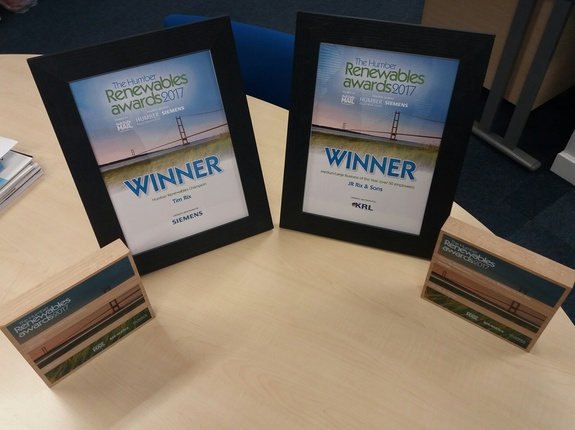 Delighted to receive two awards at The Humber Renewables Awards 2017